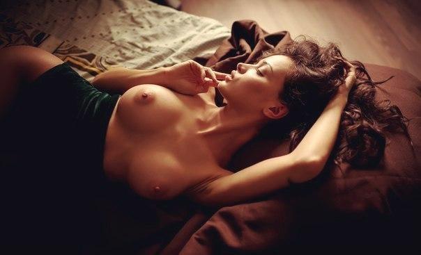 eroticheskie-v-horoshem-kachestve-foto